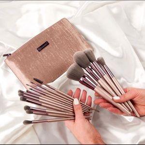 15 Pcs BH Lavish brush set